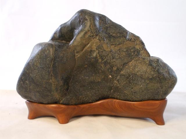 Eel River stone on Lignum Vitae wood daiza