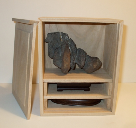 Kiri Box for stone with 2 Daizas
